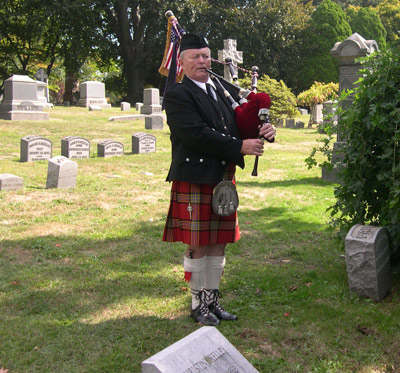 Kevin Grace -- Funeral bagpiping  Bagpipe music for your