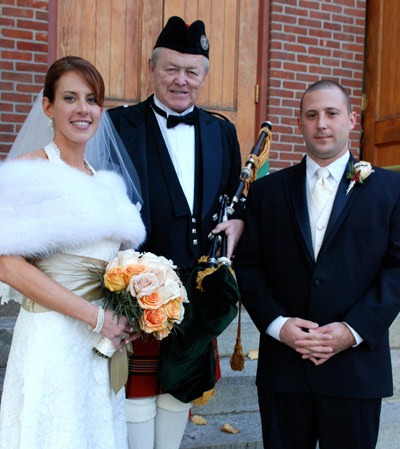 Kevin Grace wedding bagpiper